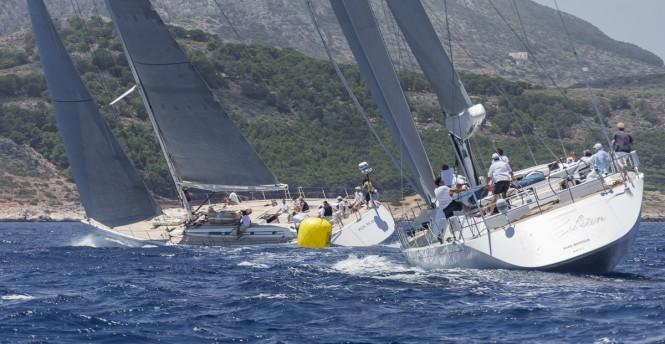 Superyachts Plis Play and Gibian