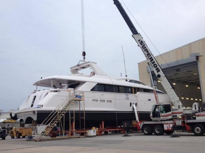 100 RPH superyacht Hull no. 2 at Hatteras Yachts