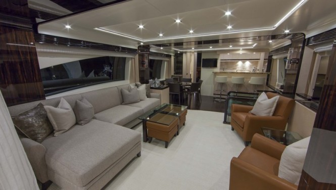 Azimut 84 US Version superyacht - Saloon