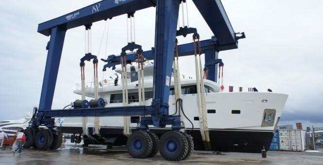 CdM Nauta Air 86 motor yacht YOLO at launch