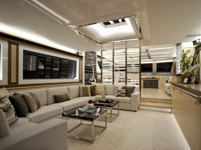 Horizon V80 luxury yacht The One - Saloon