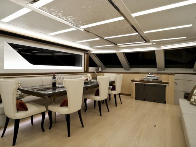 Horizon V80 motor yacht The One - Dining