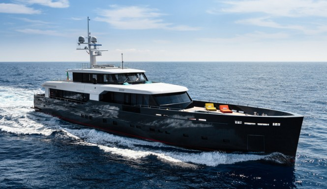 Luxury motor yacht MY LOGICA underway - G.Sargentini