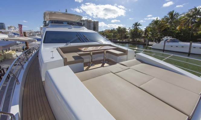 Luxury superyacht Azimut 84 US Version