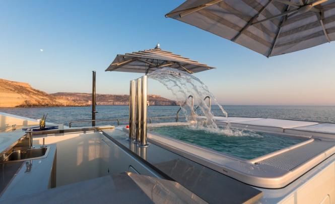 Luxury yacht Ocean Paradise - Sundeck