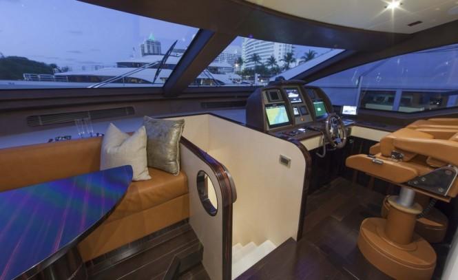 Motor yacht Azimut 84 US Version - Wheelhouse