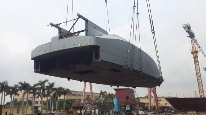 Motor yacht Bering 80 in build - Photo credit to Bering Yachts