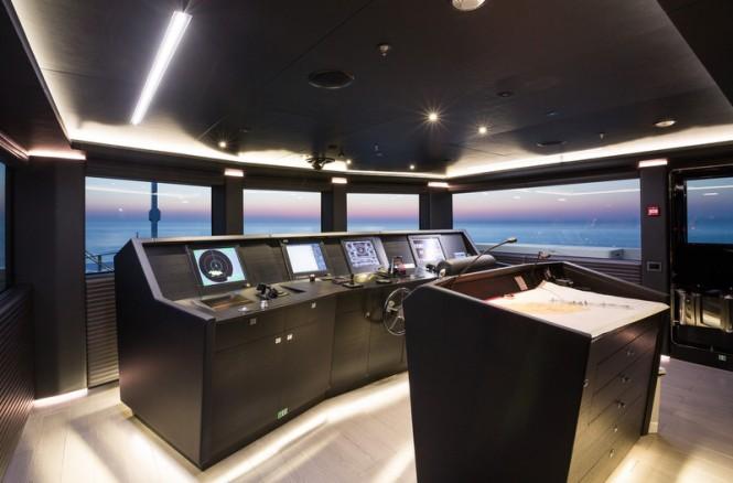 Ocean Paradise superyacht - Wheelhouse