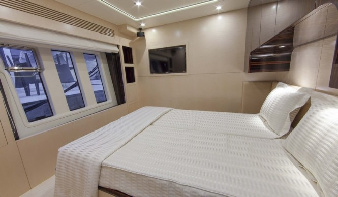 Super yacht Azimut 84 US Version - Cabin