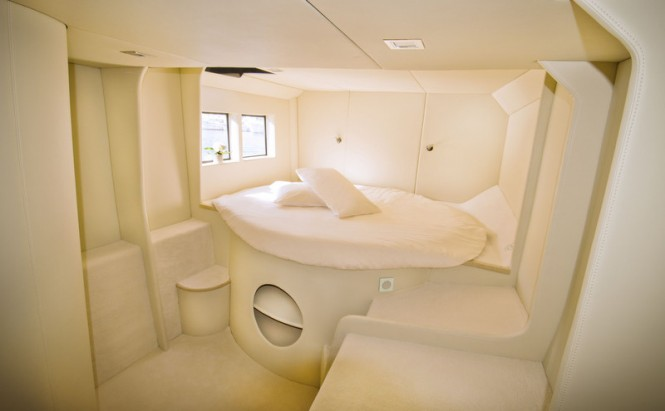 AIR 77 Yacht - Cabin