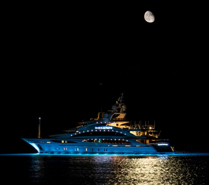 Diamonds Are Forever Yacht - Photo credit to Daniel Kennerknecht