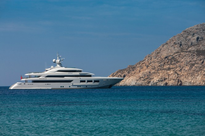 Luxury superyacht SARAMOUR of 61 metres - Image courtesy of CRN