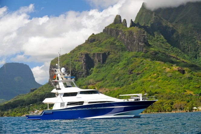 Motor yacht Ultimate Lady à Moorea in the fantastic French Polynesia yacht charter location - Courtesy Asia Pacific Superyachts