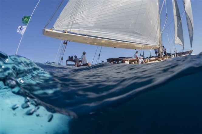 Charter yacht SHAMROCK V sailing the emerald waters of Sardinia - Photo by Rolex Carlo Borlenghi