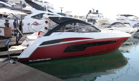 This Sunseeker Portofino 40 was wrapped in metallic red by Wild Group International