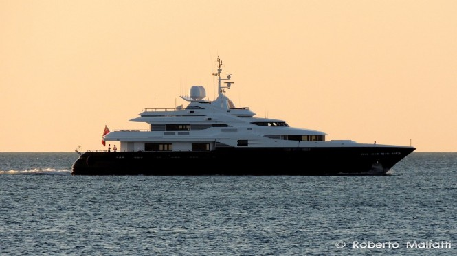 43m charter yacht ALASKA entering the port of Livorno in Italy