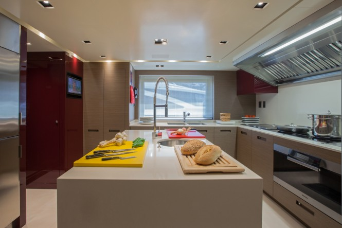 CRN Motor Yacht SARAMOUR - Galley