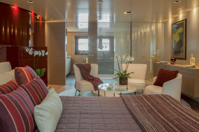 CRN Motor Yacht SARAMOUR  - Lower Deck Suite