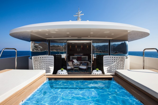 CRN Motor Yacht SARAMOUR  - Owners Spa Pool