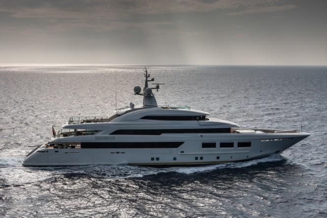 CRN Motor Yacht SARAMOUR cruising