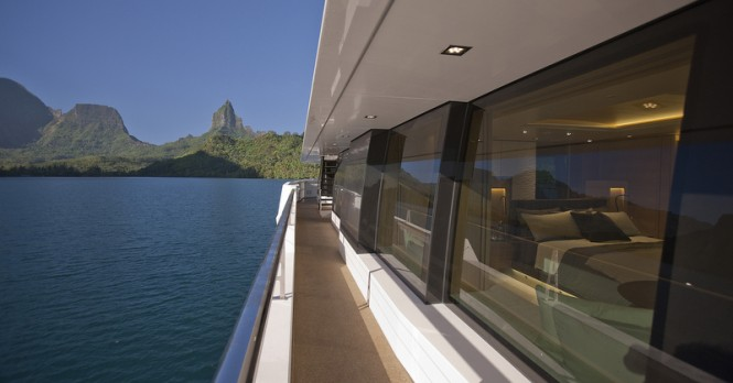 Glass areas by Glasshape aboard McMullen and Wing charter yacht Big Fish