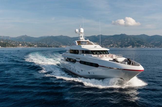 Luxury motor yacht Atomic
