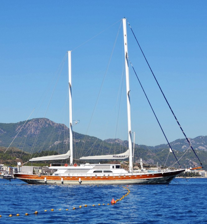 Luxury sailing yacht Minalli