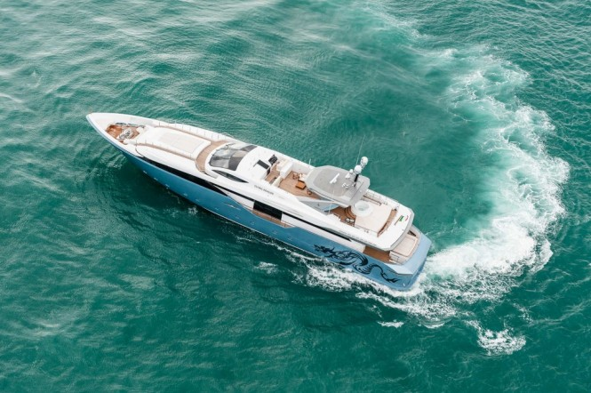 Motor yacht Flying Dragon from above