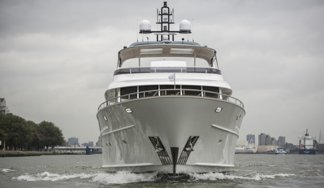 Mulder 98 Flybridge super yacht YN1391 - Front View