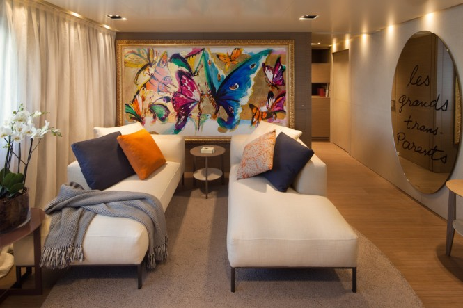 SARAMOUR yacht - VIP suite lounge