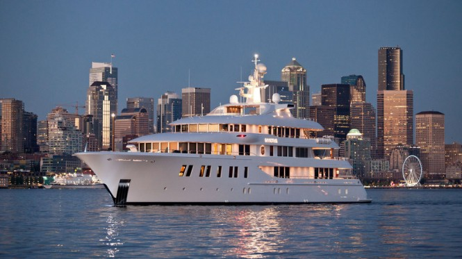 Superyacht INVICTUS with glass areas by Glasshape