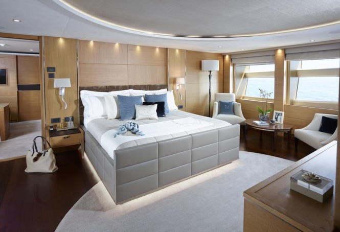 Superyacht Solaris - Owners Suite