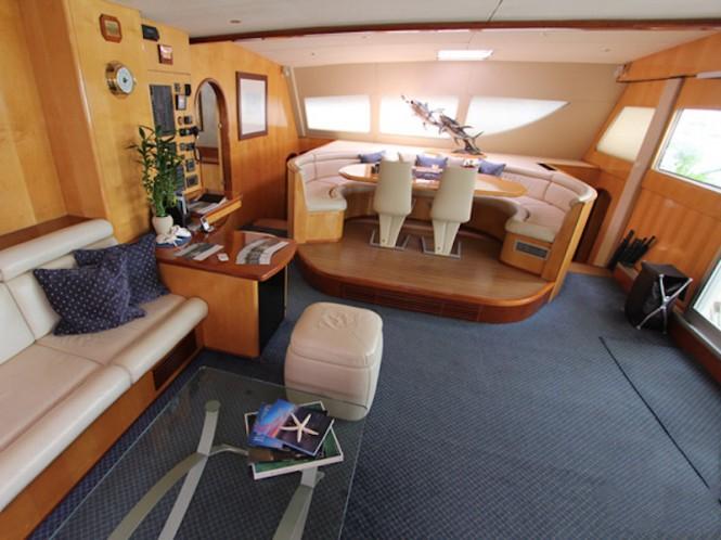 AKASHA yacht - Saloon