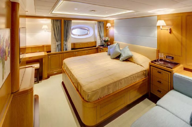 Sailing yacht Wisp - Guest Cabin - Photo by Cory Silken