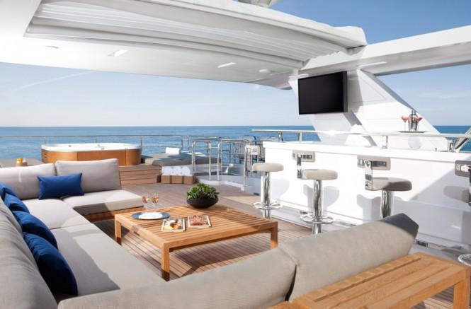 Benetti Motor Yacht Veloce 140 flybridge