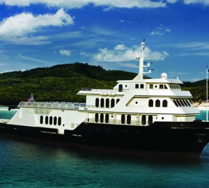 Adventurous Caribbean and Bahamas yacht vacation aboard Explorer Yacht GLOBAL by Shadow Marine