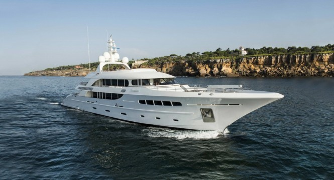Luxury charter yacht NASSIMA designed by Olivier van Meer