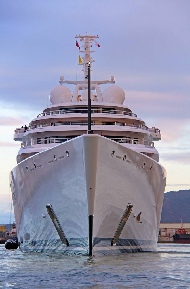 Luxury motor yacht AZZAM - Photo by Giovanni Romero/TheYachtPhoto.com