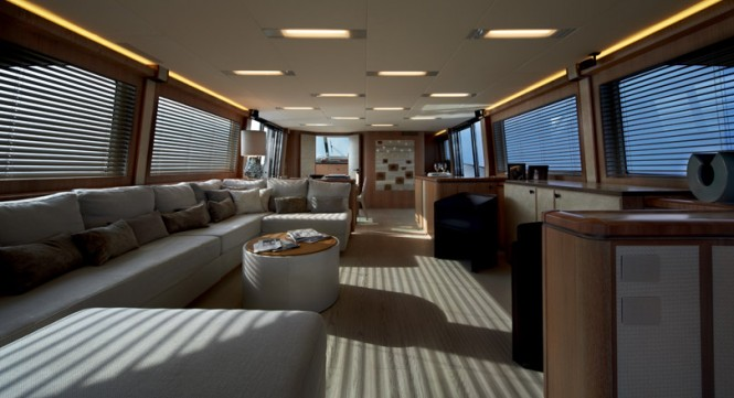 MCY86 super yacht Never Say Never - Saloon