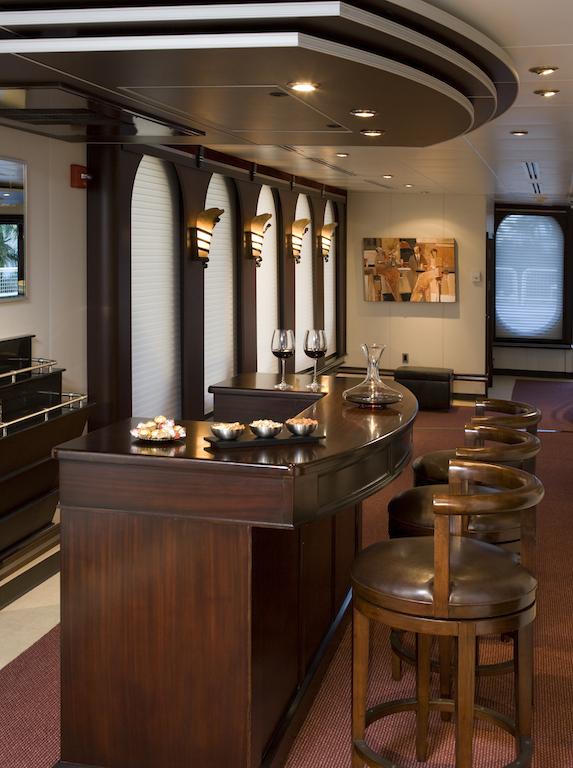 Motor Yacht GLOBAL - Bar