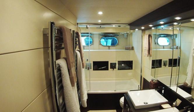 Motor yacht Asha - dinoc foil application