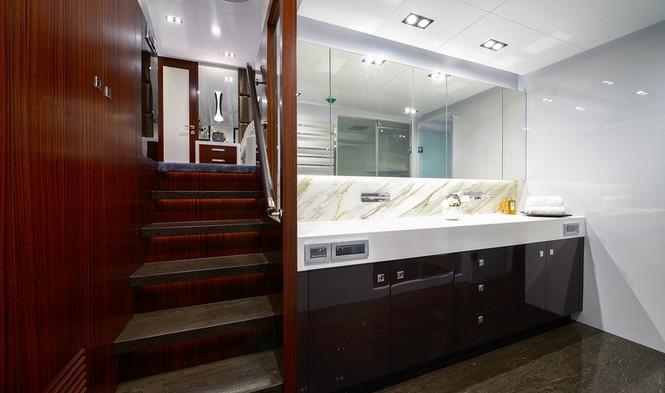 Paradise Yacht - Bathroom