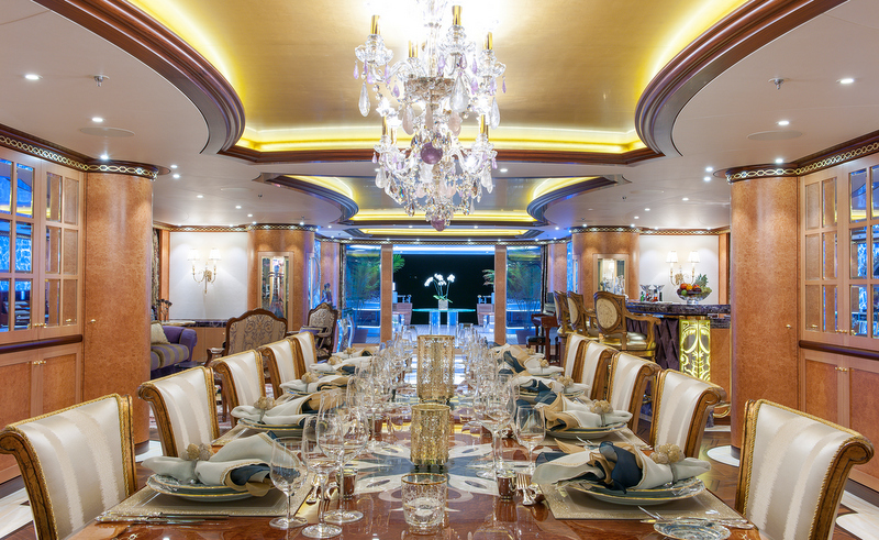 solandge yacht main deck dining photo by klaus jordan. Black Bedroom Furniture Sets. Home Design Ideas