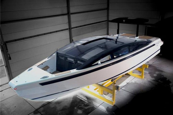 Tender to superyacht YALLA from above