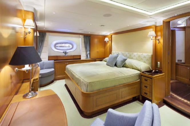 Wisp Yacht - Owners Suite - Photo by Cory Silken