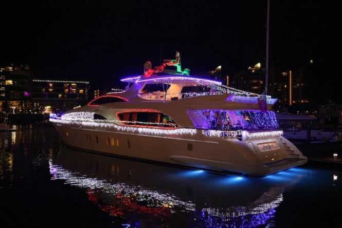 116ft charter yacht Hye Seas II during ONE15 Christmas Boat Light Parade