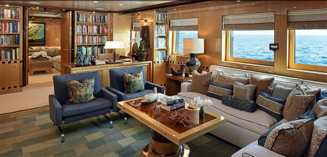 Belle Aimee yacht - Owner private office and living area