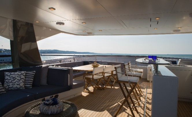 Luxury yacht YOLO - Exterior