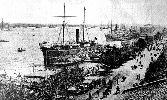 Old Photo of Shiliupu Dock, the Bund in Shanghai
