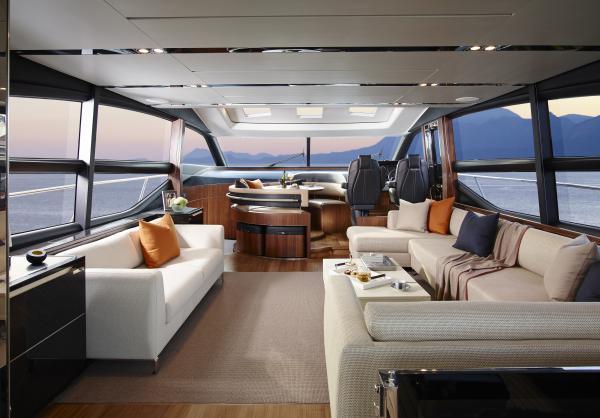 S72 Yacht - Saloon